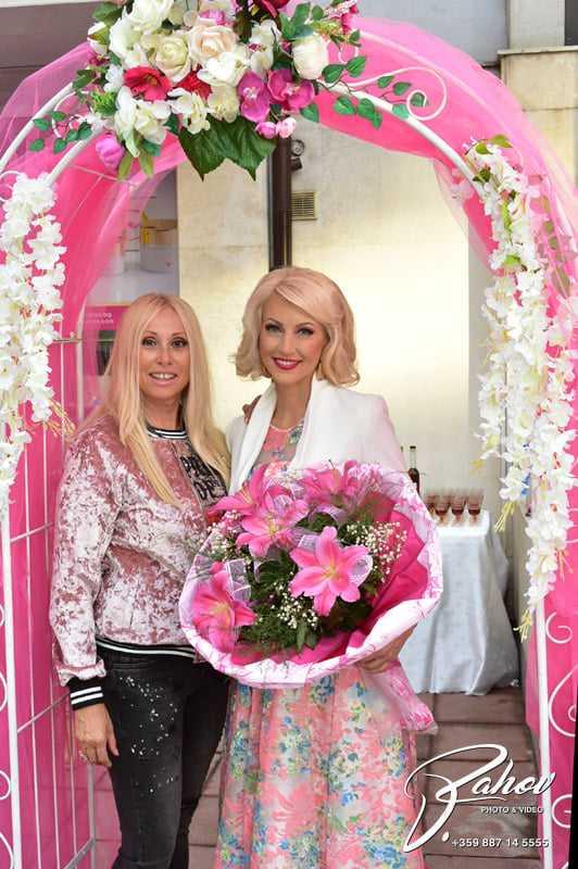 """""""Мисис Баба Вселена 2016"""" Дони Чачова предприема ново бизнес начинание…"""